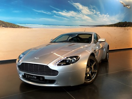 Aston Martin - Vantage 4.3i V8